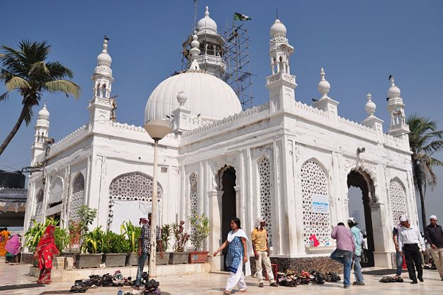 Haji Ali Mosque - Mumbai shore excursions