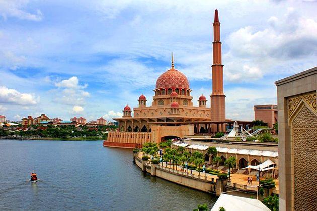 Fall in Kuala Lumpur shore excursions
