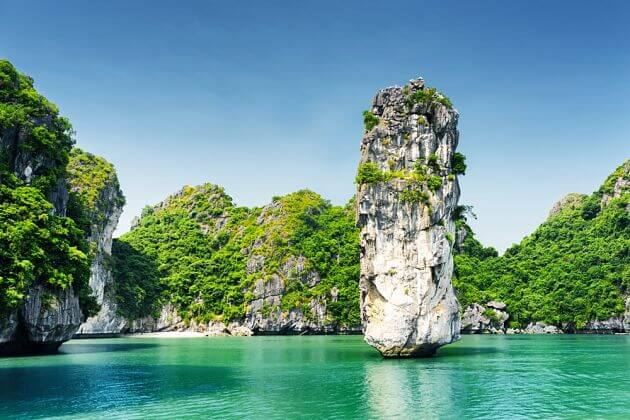 Halong-Bay-Boat-Tour