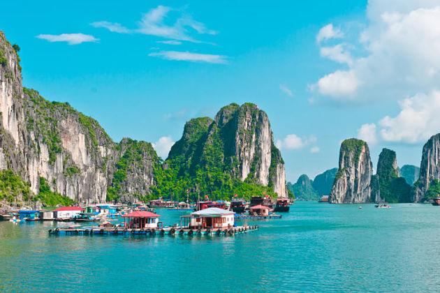 Halong bay shore excursions - fishing village