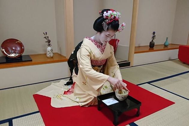 Jinmatsuan & Tea Ceremony with Maiko