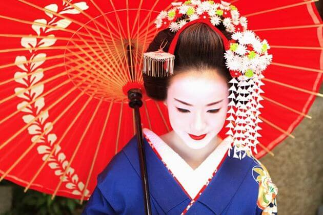 Kyoto Highlight Tour & Lunch with Maiko