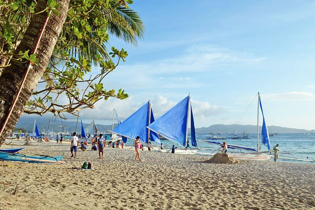 Paraw Sailing in Boracay shore excursions