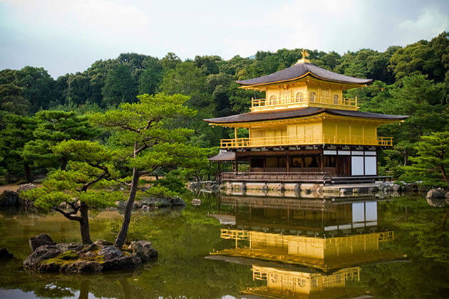 Kinkakuji-Temple-golden-pavilion