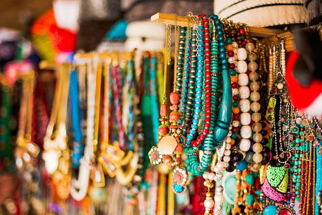 Bargain before buying - Asia Culture Shock