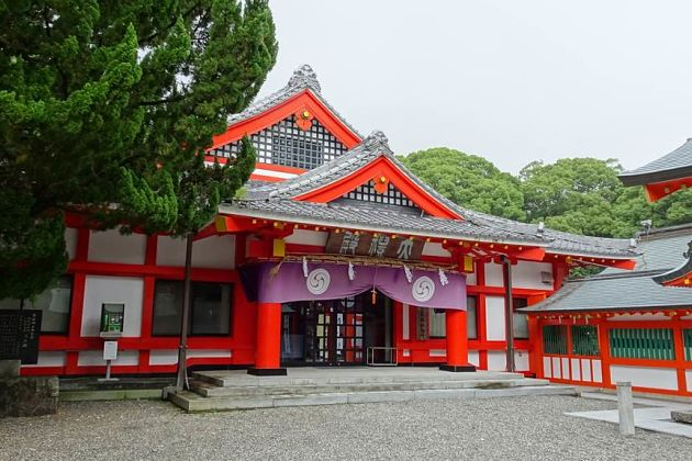 Kumano Hayatama Shrine - Shingu shore excursions