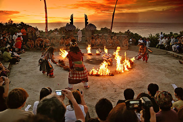Half Day Bali tour to Kecak Dance