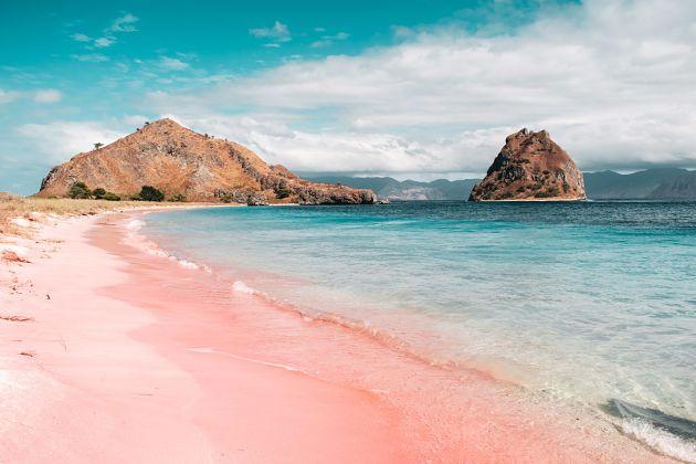 Pink Beach Komodo shore excursions