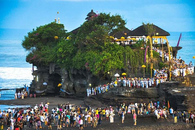 Tanah Lot Temple - Bali shore excursions