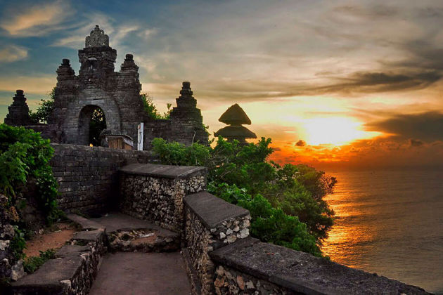 Bali Half-day to Uluwatu Temple