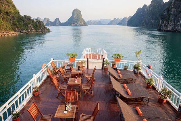 Best-time-to-visit-Halong-bay-shore-excursions-1