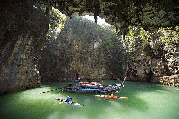 Canoe-Cave-in-Phang-Nga-Bay