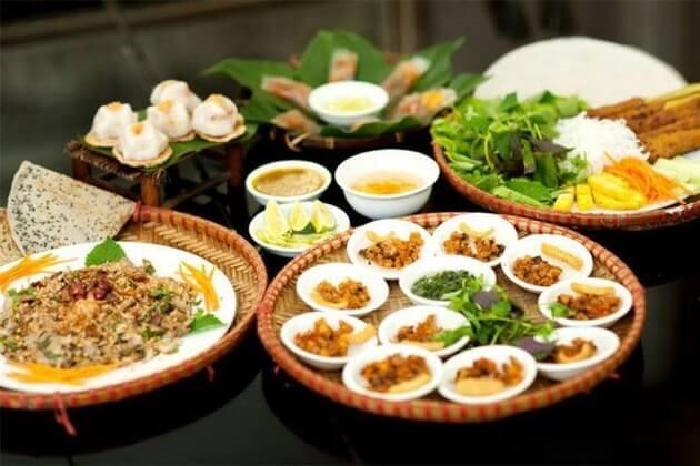 Enjoy-Hue-food