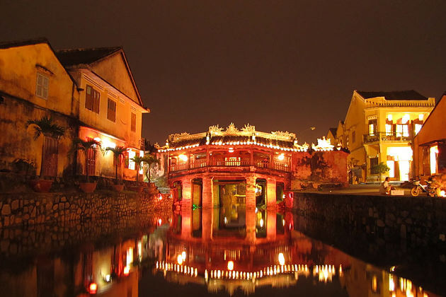 Hoi an ancient town-japanese-covered-bridge