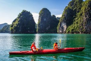 Kayak-in-Halong-Bay-shore-excursions