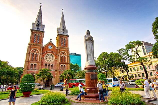 Saigon-Notre-Dame-Cathedral-Phu-My-shore-excursions