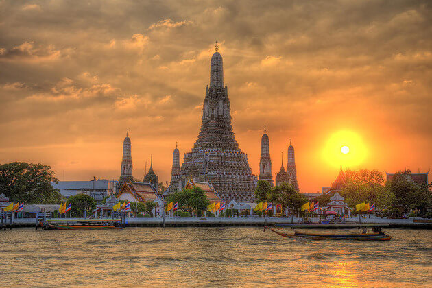 Wat-Arun-Temple-of-the-Dawn-in-Bangkok-shore-excursions