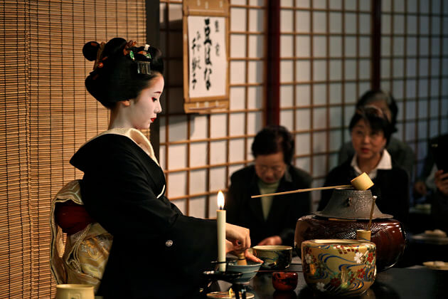 Tea-Ceremony-Maiko-kyoto