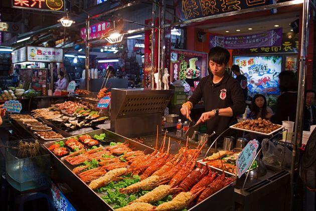 Liuhe night market Taiwan nightlife