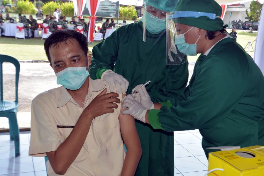 Indonesia Launches One of World's Biggest COVID-19 Vaccination Campaign